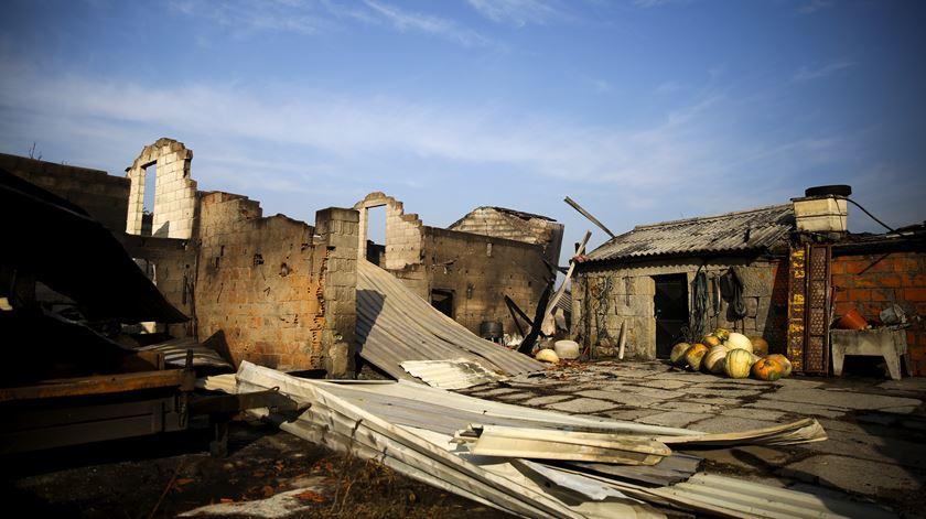 A casa das três vítimas mortais encontra-se numa das extremidades da aldeia.