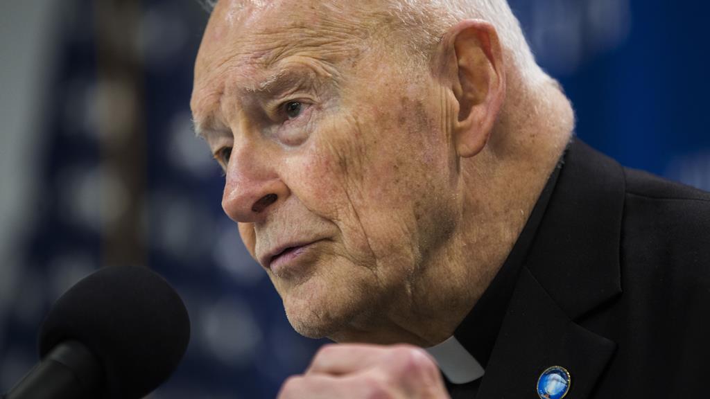 Antigo cardeal norte-americano acusado em tribunal por agressão sexual. Foto: Jim Lo Scalzo/EPA