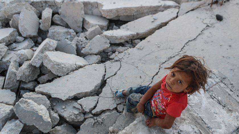 Há uma geração de crianças sírias que não conhece a paz. Foto: Mohammed Badra/EPA