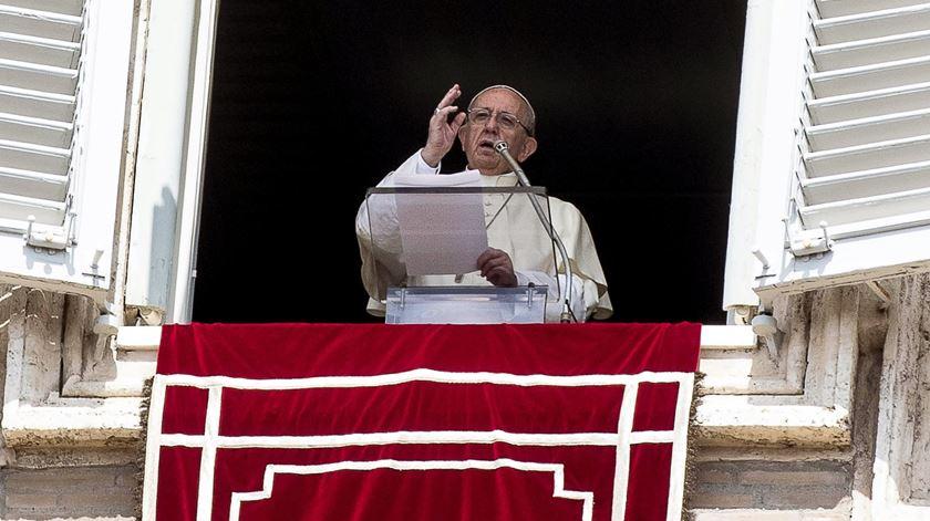 Papa Francisco na oração do Angelus, em Roma. Foto: Ângelo Carconi/EPA