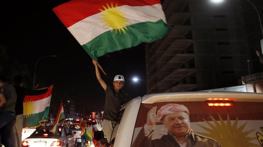 Curdos festejam voto por independência do Curdistão iraquiano. Foto: Mohamed Messara/EPA