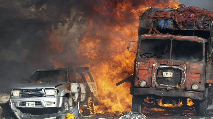 Explosão em Mogadishu, na Somália. Foto: Said Yusuf Warsame/EPA