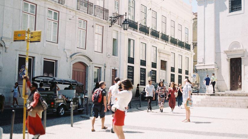 O Bairro Alto acolhe a nova sede da Brotéria, em Lisboa, que se pretende um espaço de encontro com a cultura urbana. Foto: Madalena Meneses/Brotéria