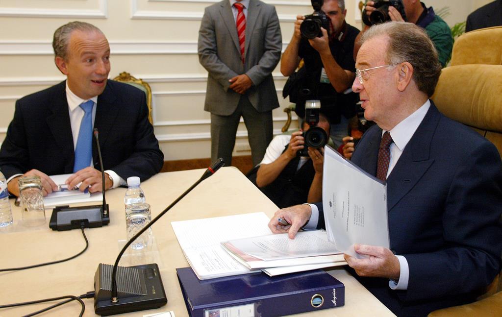 Pedro Santana Lopes encontra-se com Sampaio para a sucessão de Durão Barroso. Foto: José Manuel Ribeiro/Reuters