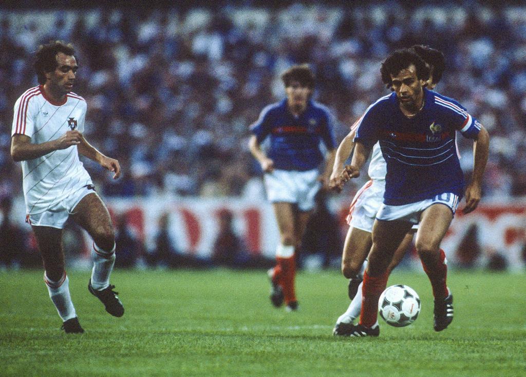 Platini decidiu o Portugal-França do Euro 1984. Foto: Henri Szwarc/ABACAPRESS/Reuters