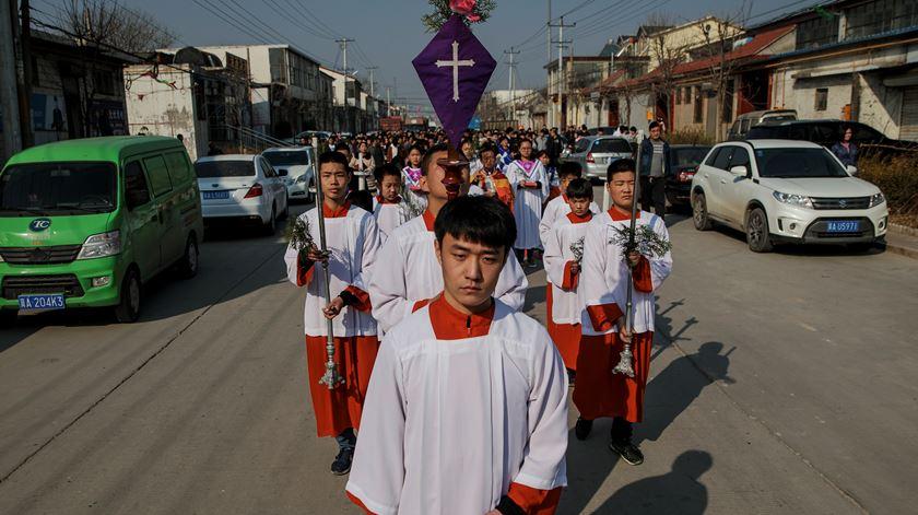 Há cada vez mais interesse pelo cristianismo na China. Foto: Damir Sagolj/Reuters