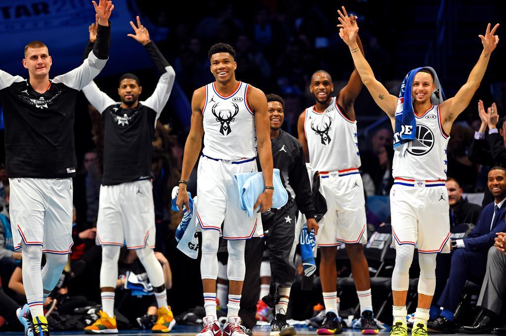 Giannis, ao meio, Jokic, à esquerda, e Curry, à direita, foram os três mais votados. Foto: Bob Donnan-USA TODAY Sports/Reuters