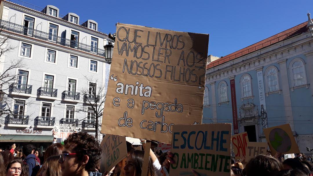 Praça Luísa de Camões, em Lisboa. Foto: Manuela Pires/RR
