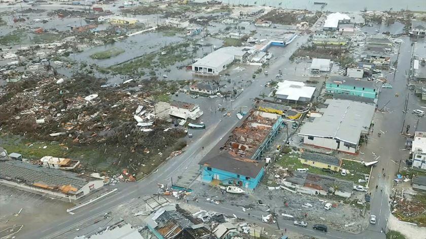 Vista aérea dos estragos nas Bahamas Foto: Reuters