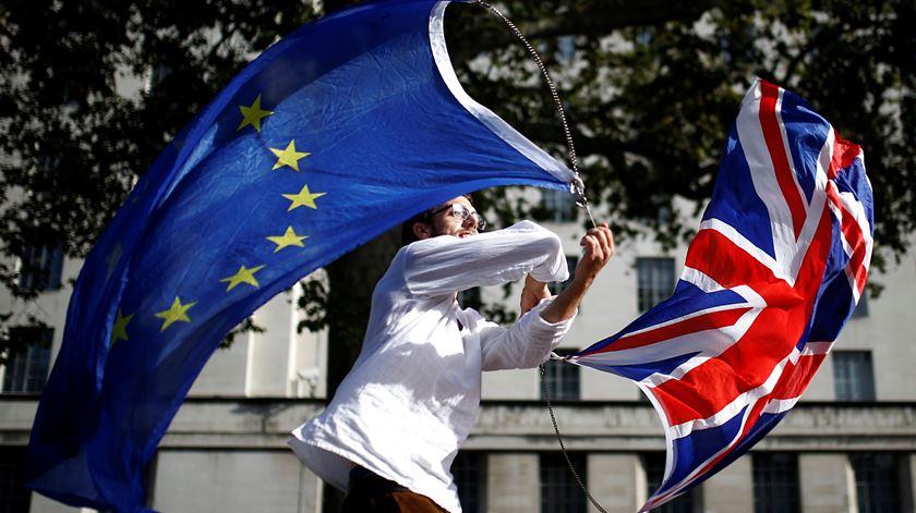 "Michel Barnier já pediu ""respeito mútuo"" e ""compromissos construtivos"". Foto: Henry Nicholls/Reuters"