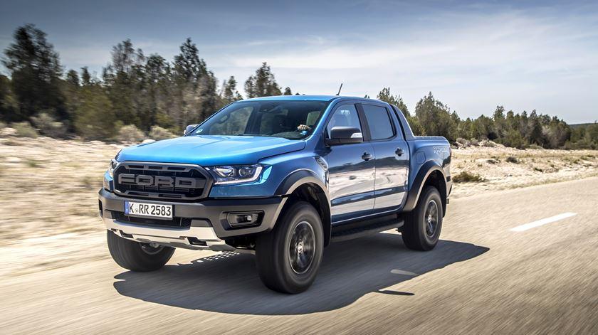 """A Ford Ranger Raptor é um """"monstro"""" com 213 cavalos. Foto: Ford"""