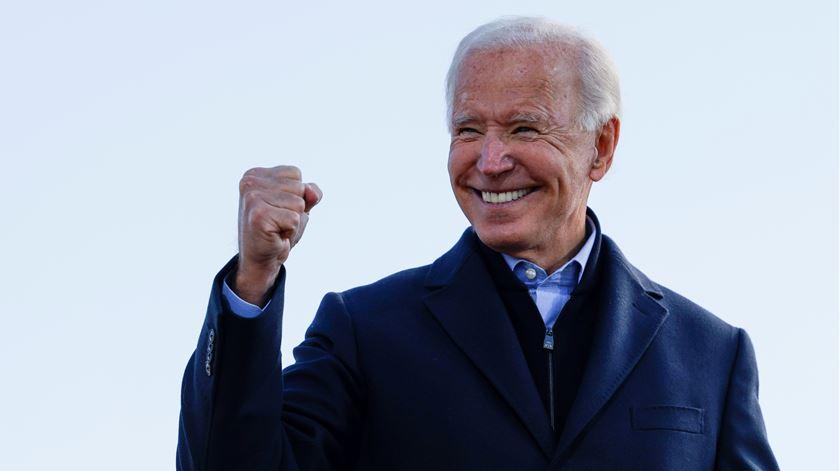 Biden já garantiu os votos eleitorais para ser eleito o 46.º Presidente da história dos EUA. Foto: Brian Snyder/Reuters