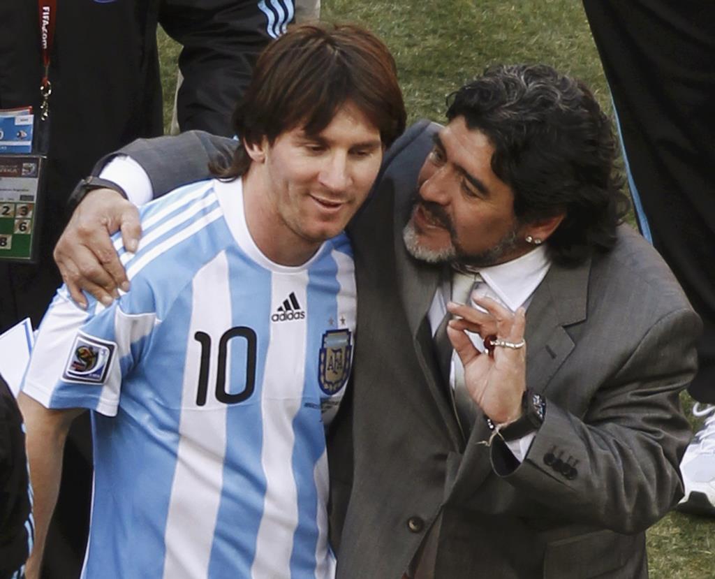 Messi com Maradona. Foto: Reuters