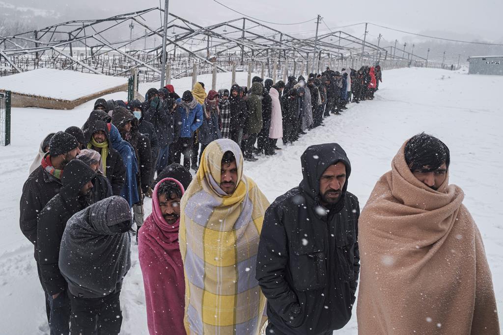 Migrantes tentam alcançar a Europa. Foto: Marko Djurica/Reuters