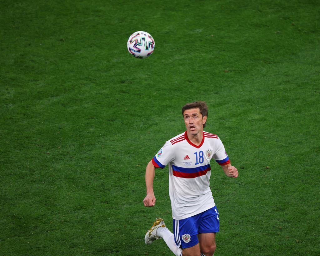 Zhhirkov em ação na primeira jornada do Euro 2020. Foto: Maksim Konstantinov/SOPA Image/Reuters