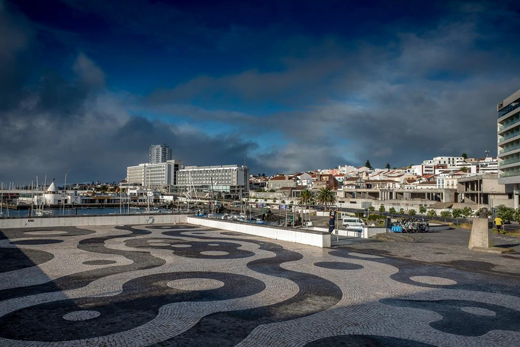 Centro de Ponta Delgada está deserto. Foto: Eduardo Costa/