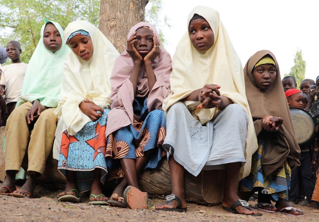 Raparigas raptadas de uma escola em Jangede, na Nigéria. Foto. STR/EPA