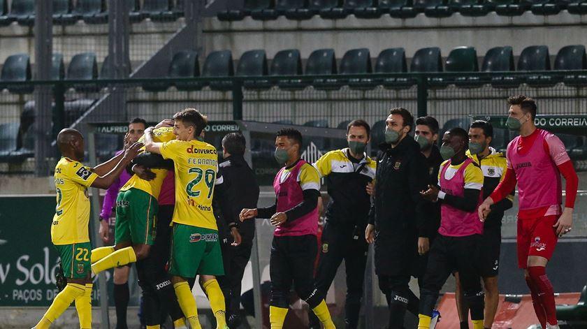 Paços de Ferreira vence Gil Vicente nos penáltis e chega à fase de grupos da Taça da Liga