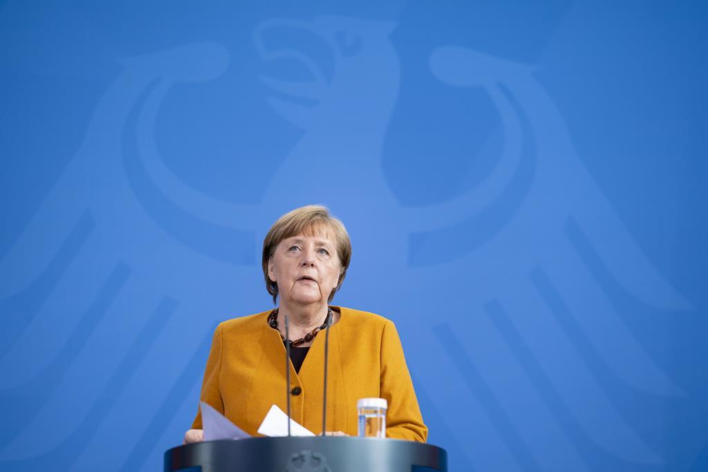 Angel Merkel criticou Portugal pela abertura aos turistas britânicos. Foto: Henning Schacht/EPA