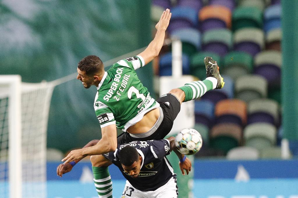 Feddal lesionou-se no jogo com o Famalicão Foto: António Cotrim/Lusa