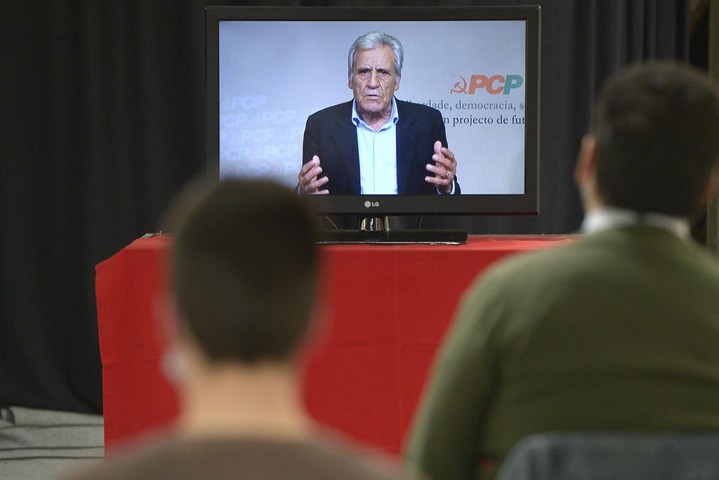 Jerónimo de Sousa, PCP, discursa no Porto. Foto: Fernando Veludo/Lusa