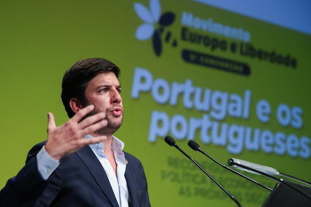 Francisco Rodrigues dos Santos, presidente do CDS-PP, discursa na 3.ª Convenção do MEL – Movimento Europa e Liberdade. Foto: Manuel De Almeida/Lusa