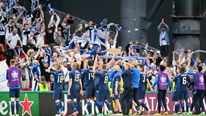 Finlândia derrota Dinamarca em partida marcada por desfalecimento de Eriksen