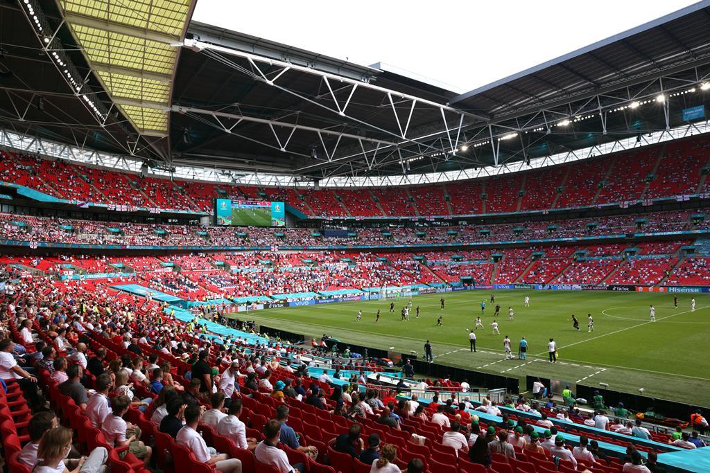 Estarão 60 mil adeptos em Wembley para as meias-finais e final do Euro 2020. Foto: Catherine Ivill/EPA