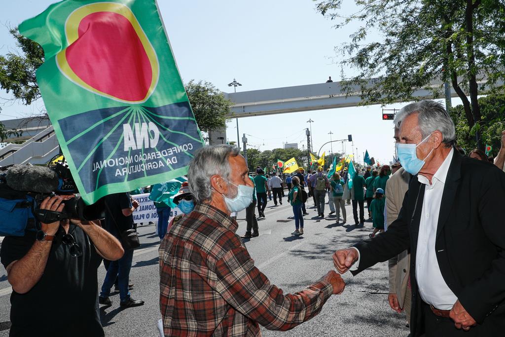 Jerónimo de Sousa na manifestação de agricultores em defesa de uma Política Agrícola Comum (PAC). Foto: António Cotrim/Lusa