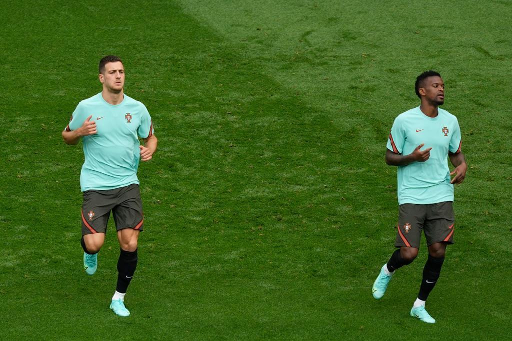 Diogo Dalot treinou pela primeira vez com a seleção na segunda-feira, véspera do arranque da participação no Euro 2020. Foto: Hugo Delgado/Lusa