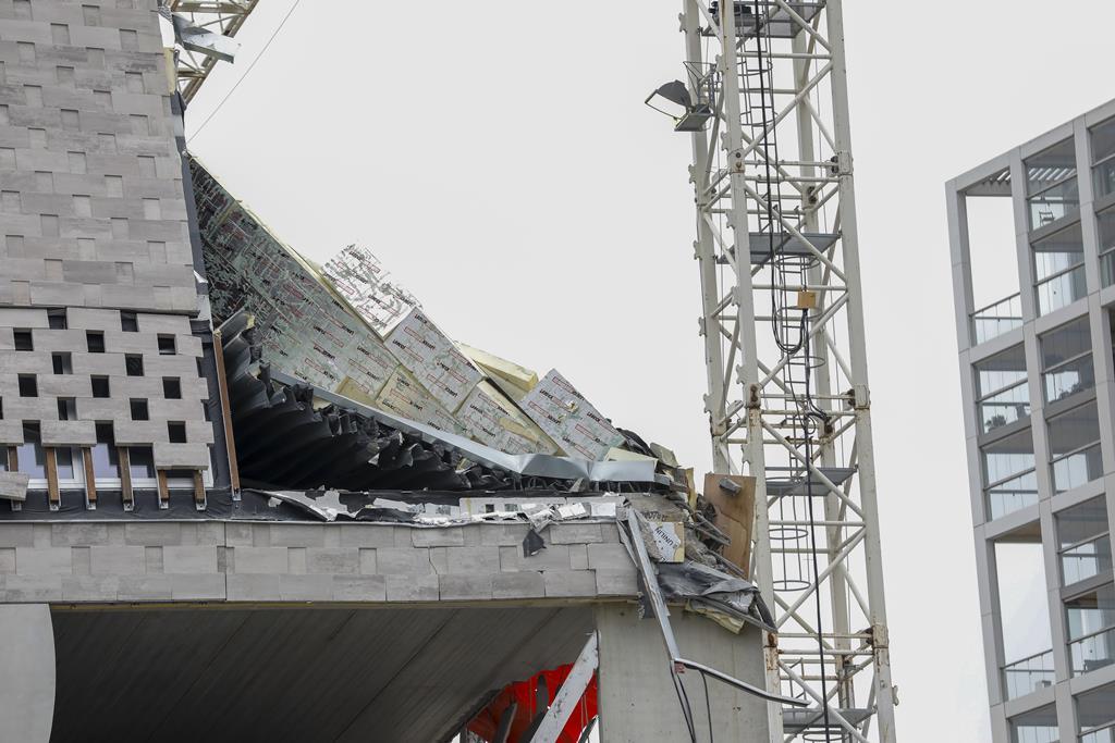 O desabamento fez pelo menos dois mortos portugueses, de um total de cinco. Foto: Julien Warnand/EPA