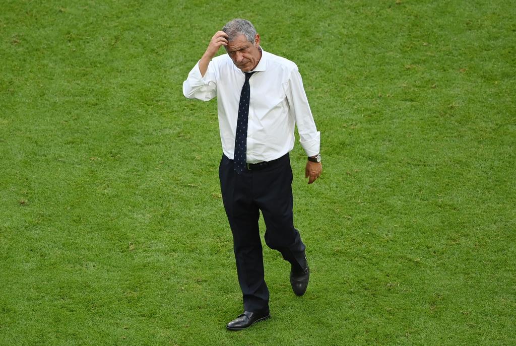 Desilusão de Fernando Santos. Foto: Matthias Hangst/Pool/EPA