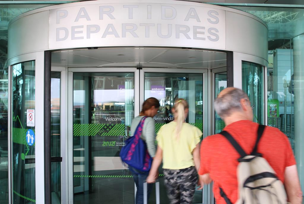 Certificado digital vai permitir viajar. Foto: Gonçalo Costa/RR
