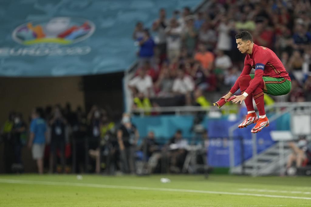 Cristiano Ronaldo durante o Portugal - França do Euro 2020. Foto: Hugo Delgado/EPA