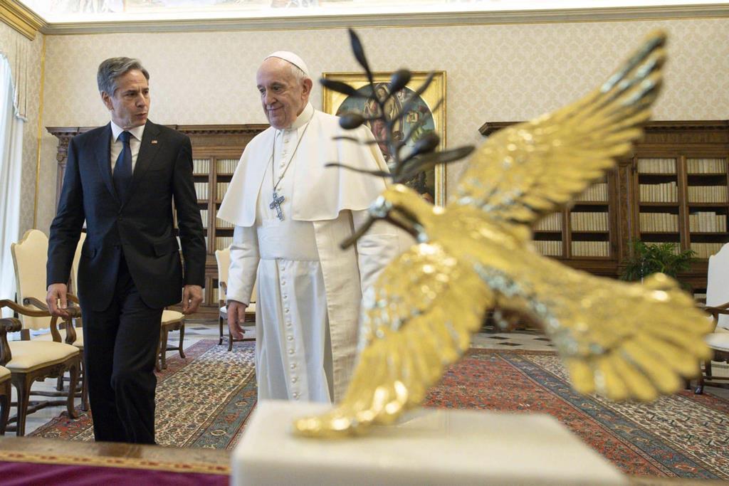 Papa Francisco recebe o secretário de Estado norte-americano, Antony Blinken. Foto: Vatican Media/EPA