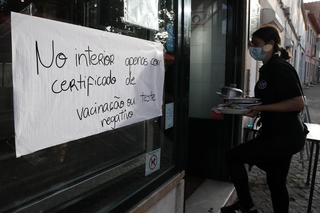 """AHRESP pede urgência no programa """"Retomar"""" por causa de fim das moratórias. Foto: Manuel De Almeida/Lusa"""