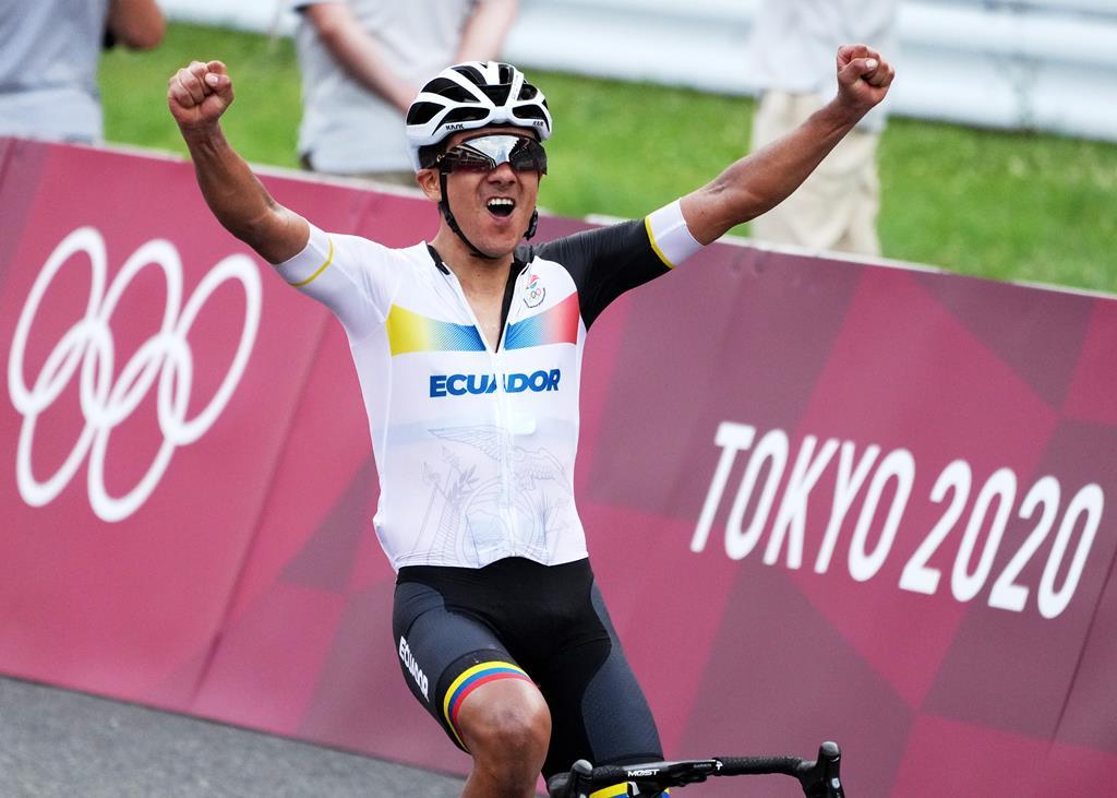 medalha de ouro para o equatoriano Richard Carapaz na prova de estrada de ciclismo. Foto: Christopher Jue/EPA