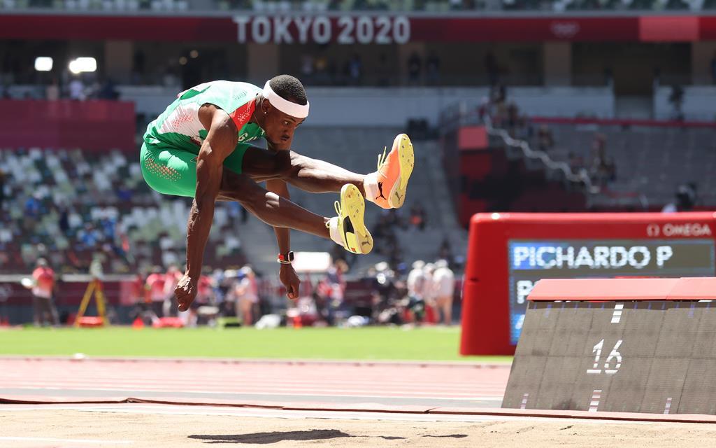 Pedro Pichardo sagra-se campeão olímpico do triplo salto. Foto: Diego Azubel/EPA