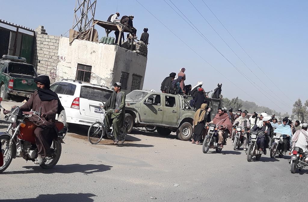 Os talibãs assumiram o controlo de 140 centros distritais, 23 capitais de província e cerca de 10 passagens de fronteira. Foto: Stringer/EPA