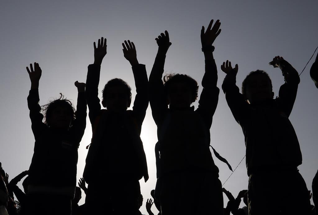 Estudo mostra que o fosso entre alunos favorecidos e carenciados aumentou. Foto: Yahya Arhab/EPA