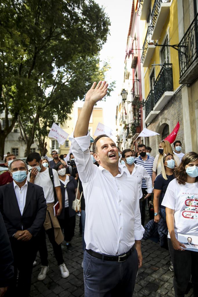 Autarca Fernando Medina promete mais cinco mil casas de renda acessível. Foto: Nuno Fox/Lusa