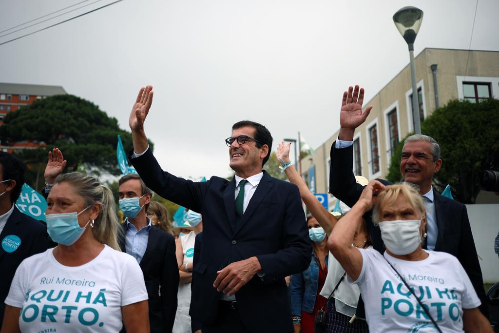 Rui Moreira visita Polícia Municipal. Foto: Estela Silva/Lusa
