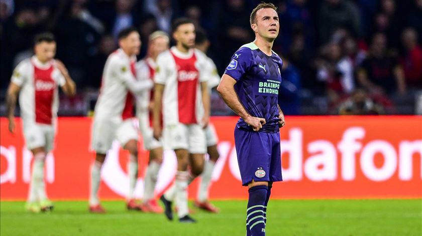 Ajax vinga Supertaça e goleia PSV