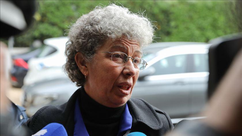 Isabel Camarinha alerta que as empresas estão a violar os direitos dos trabalhadores. Foto: Miguel A. Lopes/Lusa