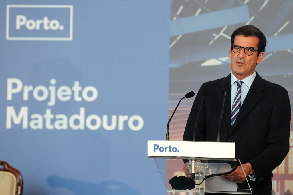 Rui Moreira na cerimónia de assinatura do auto de consignação da obra de reconversão do Antigo Matadouro Industrial de Campanhã. Foto: Estela Silva/RR