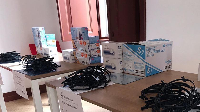 A primeira entrega de material de proteção já foi efetuada, no âmbito da campanha. Foto: Caritas de Beja