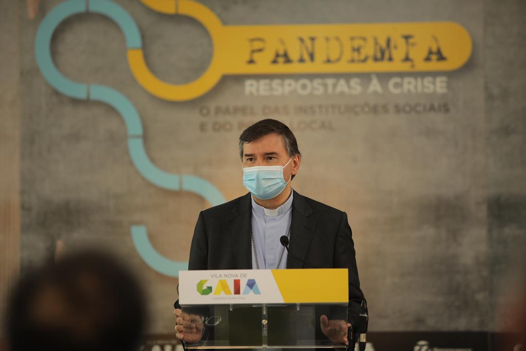 D. Américo Aguiar abriu a conferência com elogios às respostas locais. Foto: Ricardo Fortunato/RR