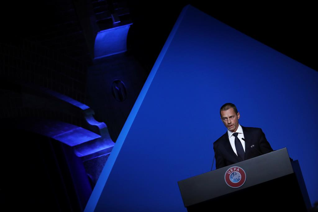 Aleksander Ceferin, presidente da UEFA, ameaça 12 clubes fundadores da Superliga. Foto: Yves Herman/Reuters