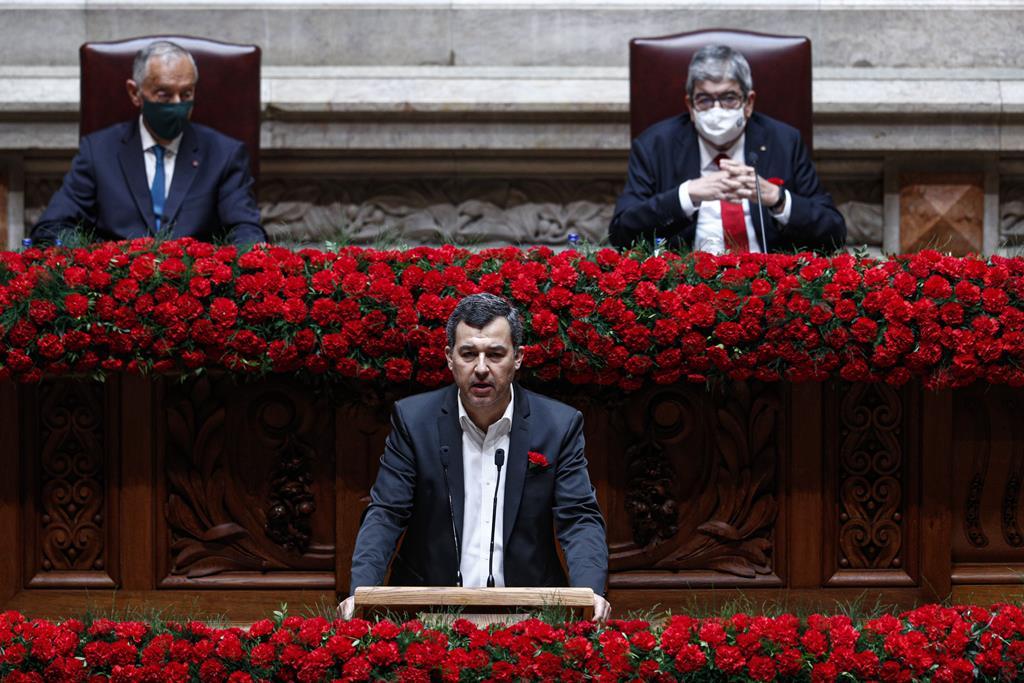 """""""Só durante o tempo desta curta intervenção, a corrupção leva-nos 205 mil euros."""" Foto: António Cotrim/Lusa"""