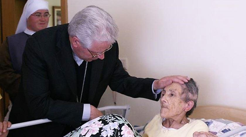Arcebispo de Évora visita os mais carenciados. Foto: DR